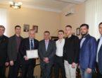 Студенты-медики передали благодарность и.о.ректора ДонНМУ Григорию Анатольевичу Игнатенко